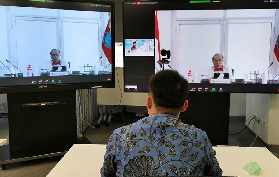 Jacky_Chen,_CEO_Huawei_Indonesia.jpg