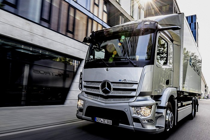 Mercedes-Benz Truck Luncurkan  eActros , Rasakan Sensasi Truk Terbaru untuk Era Baru